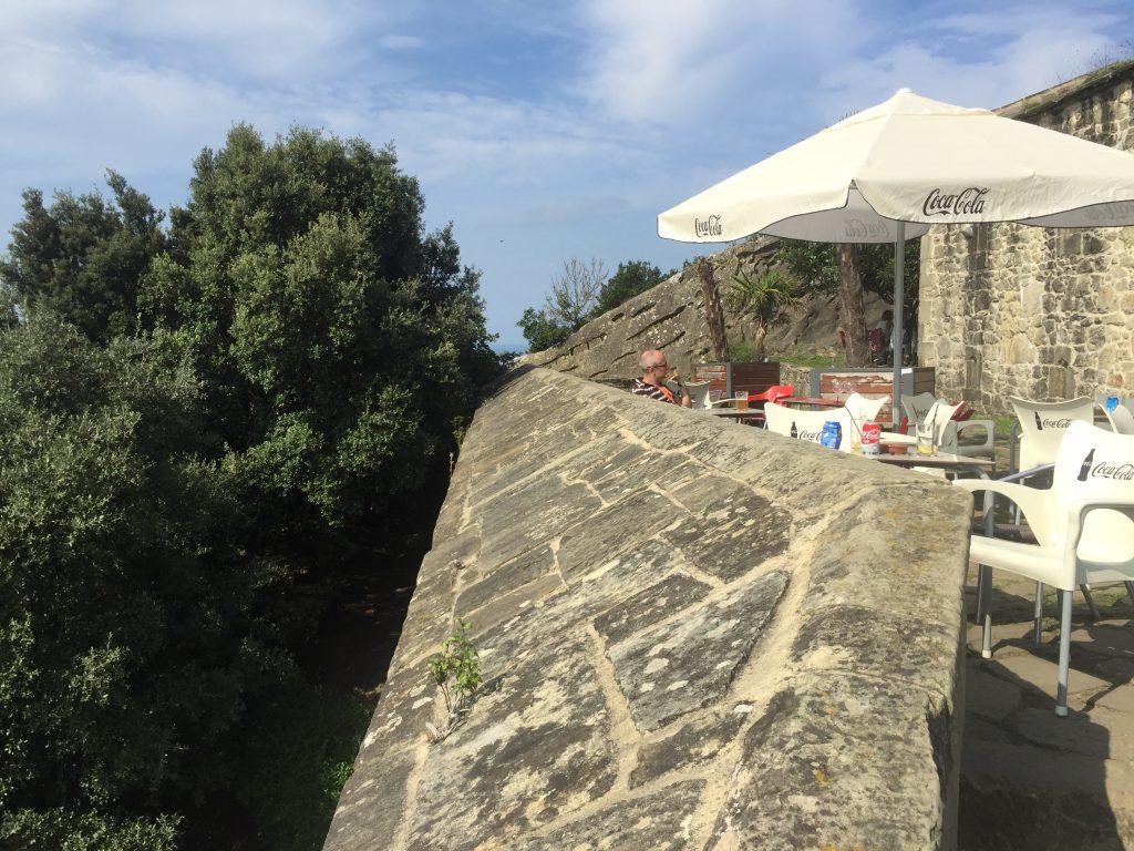 Markus beim Nachdenken auf dem Monte Urgull in San Sebastián