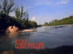 Dexter im Wasser mit innerem Monolog