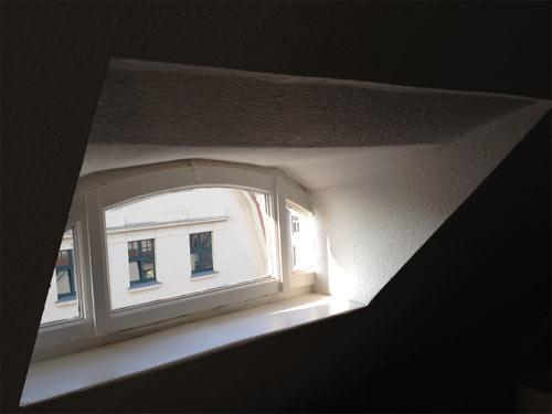 Morgendlicher Dachkemenaten-Ausblick bei Herrn Exit